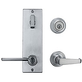 Contemporary Metal Interconnect With Kingston and Ladera Lever Light Commercial, Satin Chrome 508KNLXLRL LH 26D SMT | Kwikset Door Hardware