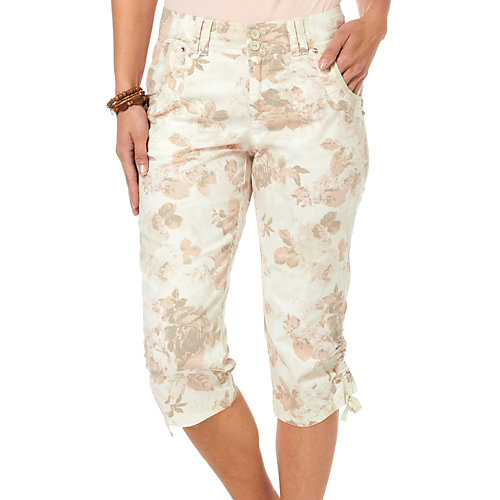 Annaliese capris by Gloria Vanderbilt offer a soft floral print and an adjustable side ruched hemline. A bit of stretch provides a comfortable and fl