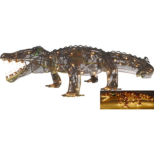 Garden patio and lawn ornaments for Alligator yard decoration