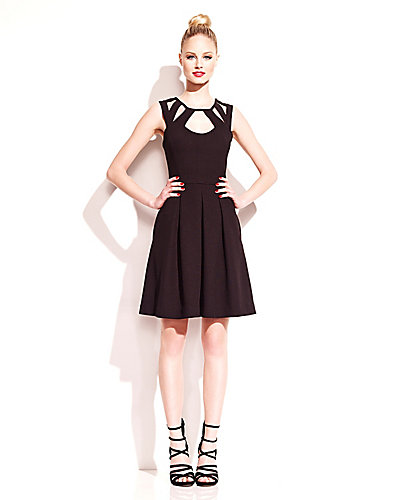 DRESS WITH NECKLINE CUTOUTS BLACK