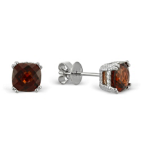 14K_Garnet_Stud_Earrings