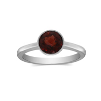 14K_White_Gold_Round_Checkerboard_Garnet_Bezel_Set_Ring,_7mm