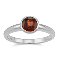 14K_White_Gold_Round_Checkerboard_Garnet_Bezel_Set_Ring
