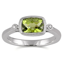 14K_White_Gold_Horizontal_Cushion_Checkerboard_Peridot_and_Round_Diamond_Bezel_Set_Ring