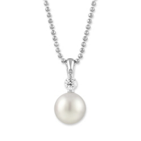 18K_White_Gold_8x8.5mm_White_Cultured_Pearl_and_Round_Diamond_Pendant