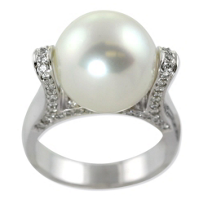 18K_South_Sea_Cultured_Pearl_and_Diamond_Ring