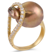 Yvel_18K_Yellow_Gold_Brown_South_Sea_Baroque_Cultured_Pearl_and_Diamond_Ring