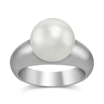 Sterling_silver_White_Freshwater_Cultured_Pearl_Ring,_11x12mm