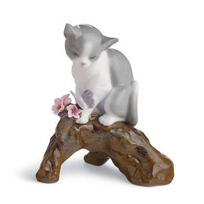 Lladró_Blossoms_For_the_Kitten
