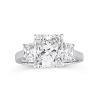 18K_White_Gold_Radiant_Diamond_Ring_With_Radiant_Diamond_Side_Stones