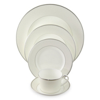 Monique_Lhullier_Pointe_d'esprit_Dinnerware