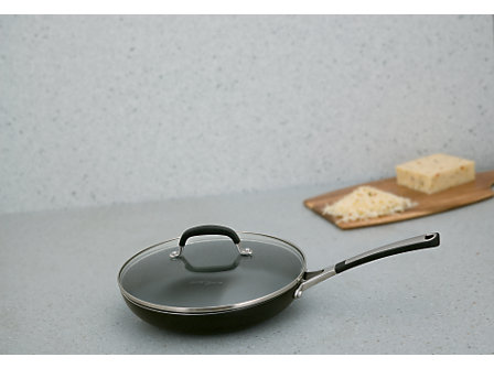 Simply Calphalon Enamel 10-in. Covered Omelette Pan