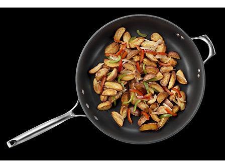 Calphalon Unison Nonstick 14-in. Omelette Pan