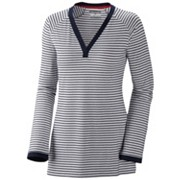 Women's Reel Beauty™ Long Sleeve V-Neck