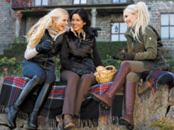 Mountain Horse Ladies Isa Dora Reversible Vest<font color=#000080> -SIZE:  Large  COLOR:  Pearl/Black</font> Best Price