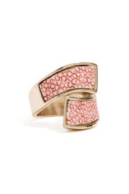Pink Stingray-Texture Wraparound Ring