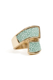 Mint Stingray-Texture Wraparound Ring