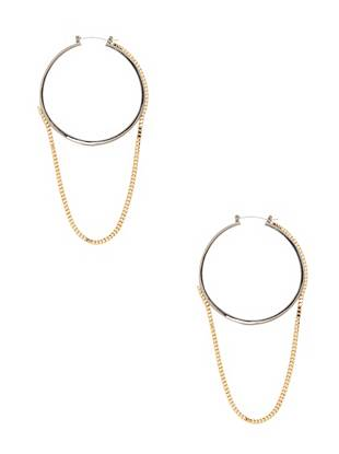 Classic hoops get a modern update with this two-tone pair. A dangling box chain makes an unexpected statement, instantly putting you ahead of the style curve.