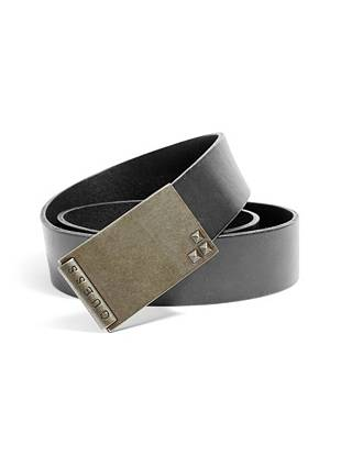 Amplify your casual weekend looks with this genuine leather plaque buckle belt. Miniature pyramid studs and antiqued gold-tone hardware add just the right amount of rugged appeal.