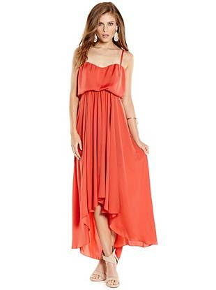 A breezy, draped silhouette and modern high-low hem effortlessly blend to create this elegant maxi dress. Wear it casually for daytime or dress it up after dark—it's your new go-to.