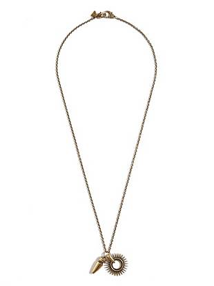 Channel the season's country meets rock 'n' roll vibe with this modern chain necklace.