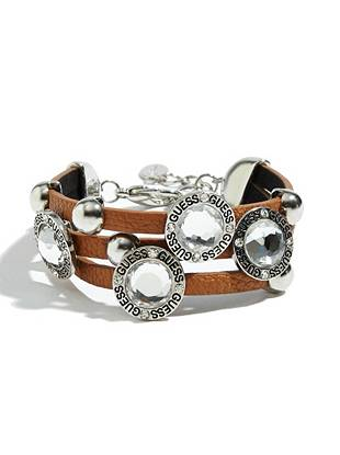 Soft brown leather and silver-tone rhinestones team up to create the ultimate 24/7 accessory. Wear it solo or stack it on with other arm candy to achieve the perfect blend of glamour and edge.