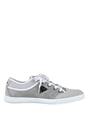 Go for an off-duty look with laid-back appeal in these casual lace-up low-tops. Wear them with slim denim and a moto jacket for the perfect weekend vibe. •Low-top sneakers. Lace-up vamp.  •Leather with suede and fabric contrast. Embossed logo plaque at side. •Rubber sole •Material: Leather, Suede
