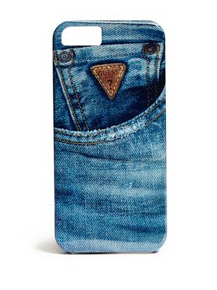 Dress up your phone in true GUESS style with this denim-printed phone case. The hard shell protects from scratches, while the jean-inspired design shows off your iconic fashion sense.
