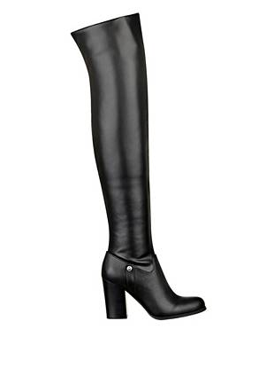 Versatility at its best, these high-heeled boots are a must-own for the girl who values both fashion and function. A foldable shaft lets you wear it three different ways to go with every look.