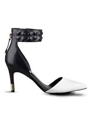Evanne Pointed-Toe Pumps