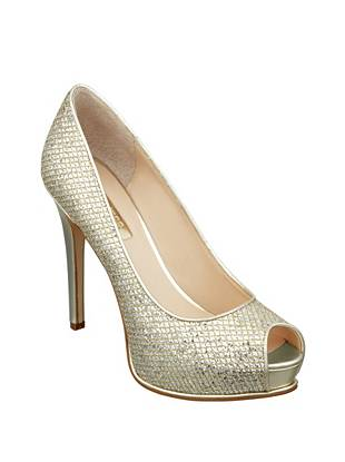 Honoran Peep-Toe Pumps
