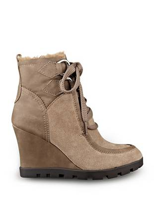 Lanni Wedge Booties