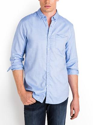 Quite possibly the softest oxford shirt you'll ever own, this modern slim-fit style is casual sophistication at its best. Contrasting checked trim and a fold-down pocket add the distinctive details your looks are known for.  •Oxford shirt. Button-down collar. Long sleeves with single barrel cuffs. Smart Slim Fit.  •Single pocket with fold-down detail. Contrast checked trim at inside collar stand and sleeve cuffs.  •Front button closures •100% Cotton •Machine wash