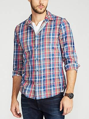 A go-to for casual days or nights, this iconic button-down provides a handsome take on traditional plaid. Its slim fit and relaxed vibe add distinctive details that are easy to make your own.