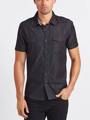 Instantly elevate your night-out look with this short-sleeve woven shirt. Classic military details and a dark wash only add to the of-the-moment look of this laid-back piece.