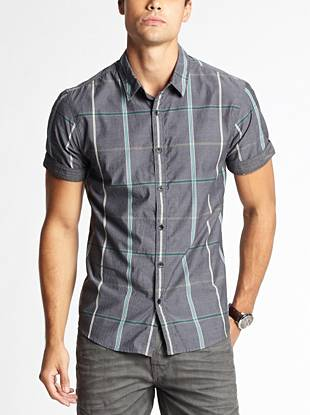 A unique plaid pattern and worn-in look bring vintage appeal to this versatile button-down. From casual days to laid-back nights, this short-sleeve shirt is an essential addition to your wardrobe.