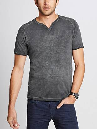 With modern slub knit texture, a slit V-neck and subtle logo detail, this not-so-basic tee is anything but boring.