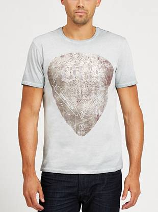Get a worn-in vintage-inspired look by throwing on this guitar pick graphic tee.