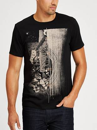 Hit the stage in this band-inspired graphic tee.