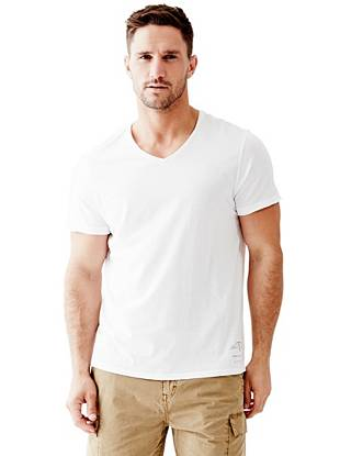 A washed and worn ombre effect makes this the perfect throw-on-and-go tee.
