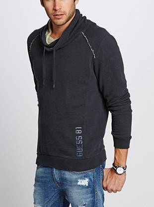 Take your casual style up at notch in this funnel-neck sweatshirt. Perfect for a night of relaxing at the beach, you can wear this comfortable piece year-round.