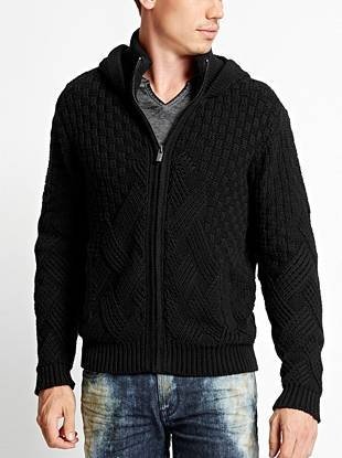 A unique stitch pattern gives this chunky-knit sweater a modern-meets-laid-back vibe. Layer it on over your cold-weather looks for extra warmth.