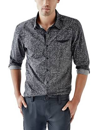 A trend-driven acid-wash effect and our coveted slim fit make this shirt perfect for all-day (and night) wear.