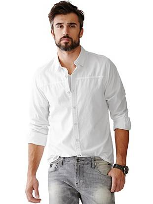 A classic dobby-weave design and modern slim fit make this shirt perfect for layering during the week or wearing solo on the weekends.