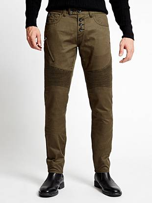 Get the season's must-have moto look with these casual twill pants. Slim through the hip and thigh, this pair tapers below the knee for a close-cut look. Finished with edge-driven details and zipper pockets, they deliver a right-now rocker vibe that's perfect for days off.
