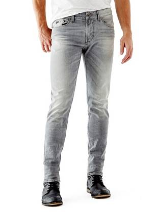 WHY YOU NEED IT: One of our fastest-growing fits, the Slim Taper is slim through the hip and thigh then tapers below the knee for a close-cut look. The medium grey shade acts as a perfect everyday alternative to classic indigo. Great for slim and straight builds.