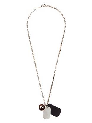 Signature military detail and a cutout chevron pendant construct this low-key necklace. Wear it with your casual looks for street-ready style.