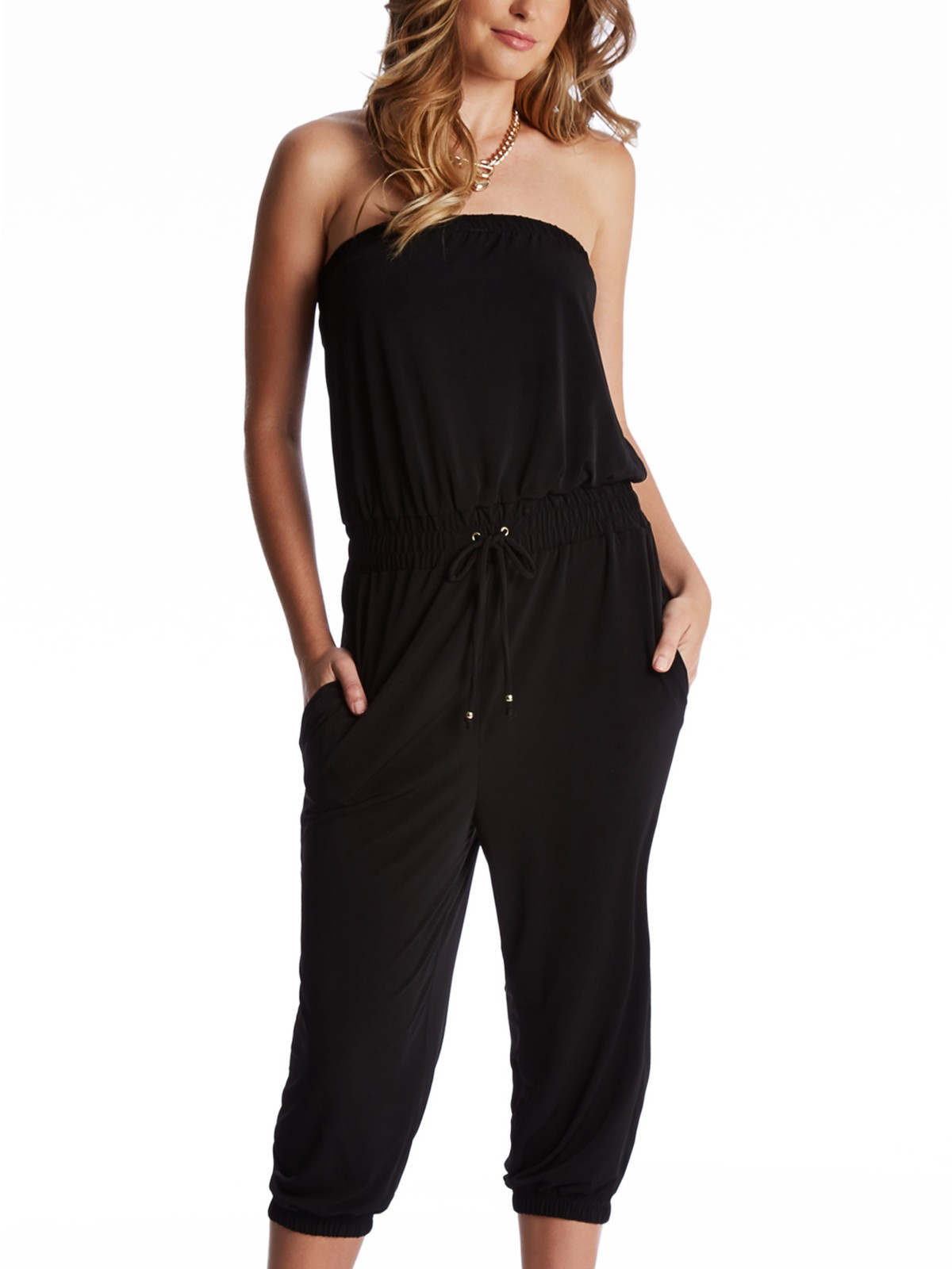 When you think of the carefree style that you love to wear during the warmer weather, a great romper definitely comes to mind. This one-piece style is comfortable, easy to wear and endlessly versatile when it comes to styling, and GoJane carries a wide selection that you're sure to love.
