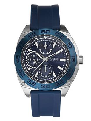 Ideal for the guy on the move, this blue sports-inspired watch works with every look. Wear it to the office, the gym, or even for a night out—you just found your new go-to.