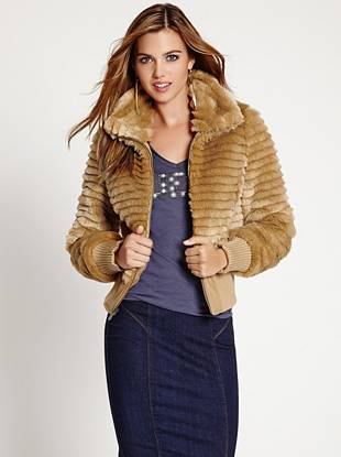 The arrival of fall means breaking out some of your favorite jackets, and this incredibly soft faux-fur piece is the perfect addition to your collection. Its unique layered design gives it a luxe texture that won't go unnoticed.